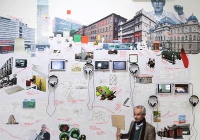 """Verbildlichter Lebenslauf von Joost Meuwissen in der Ausstellung """"Don't Stop Thinking"""" im HDA"""